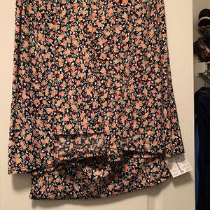 Large maxi skirt NWT